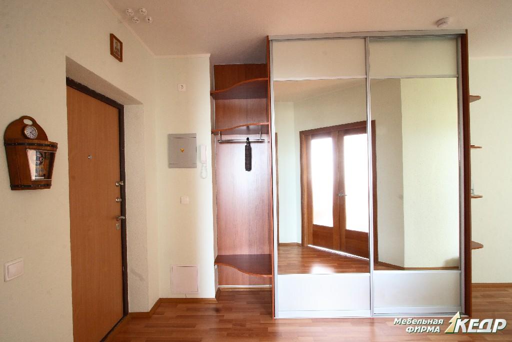 Шкаф с зеркалом в прихожую или как создать интерьер одним пр.