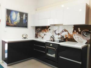 глянцевая кухня, кофейная кухня