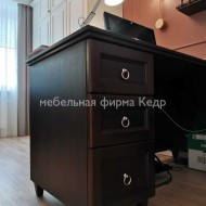 Рабочий стол из массива сосны